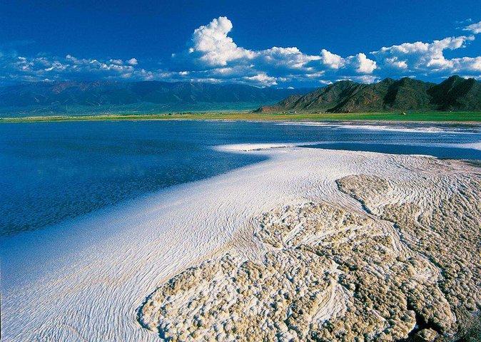 """""""    欣赏一下巴里坤湖美景,这个倒影的感觉还是蛮不错的。    一张打卡照_巴里坤湖""""的评论图片"""
