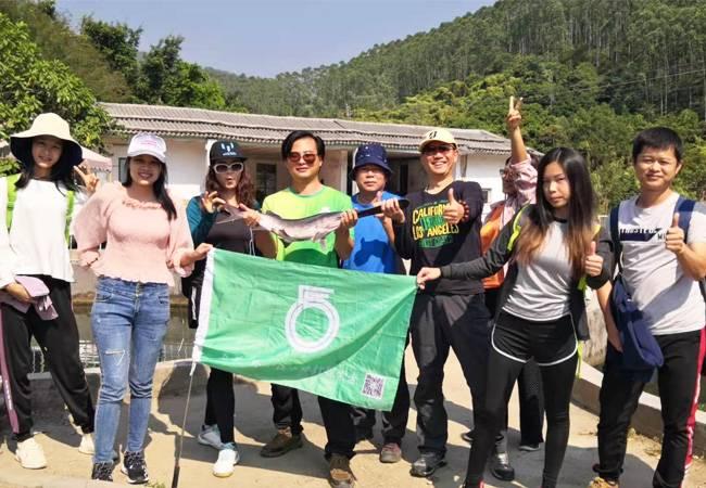 五五户外江门圭峰山穿越 赏枫叶流丹