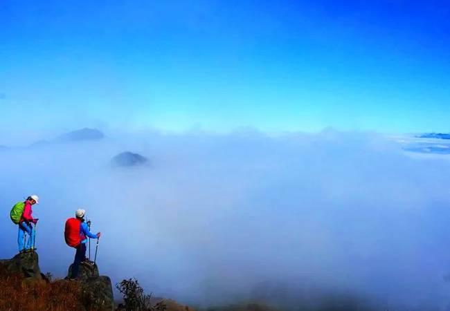 五五户外【粤北秘境】黄梅雪后四峰连穿 千米山峰之恋