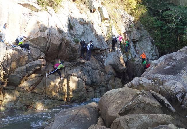五五户外洋畴湾鹅公湾海岸线穿越 野线攀岩