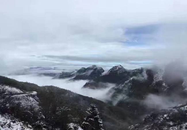 五五户外【七彩云南】 昆明之巅 徒步滇中第一高峰东川雪岭