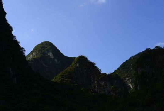 """徒步""""小桂林""""英西峰林,平凡却不失美丽的地方"""
