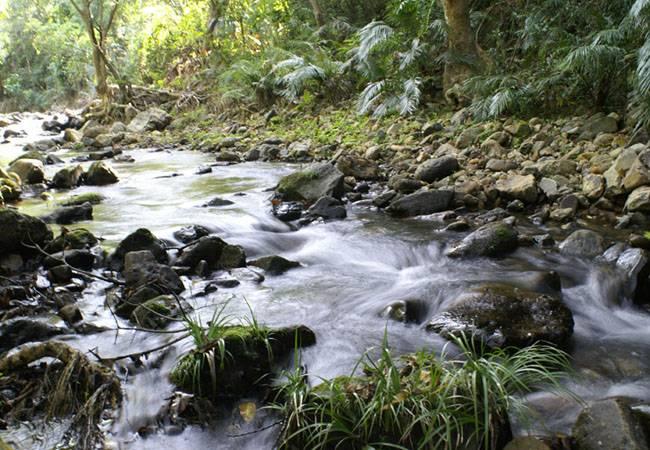 五五户外探寻深圳最美的九寨沟 溯溪石头河情人谷